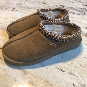 UGG slippers. Size 7. Tan with tan mosaic stitch
